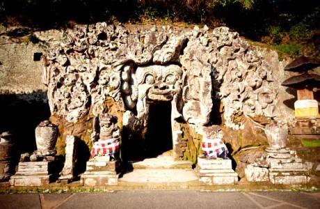 Besök Elephant Cave