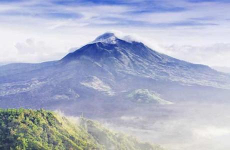 Den aktiva vulkanen Mount Batur